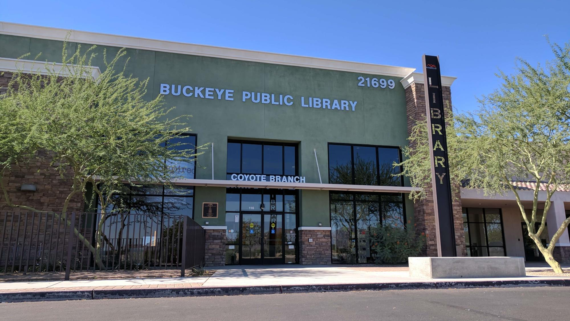 Exterior picture of the Coyote Branch Library